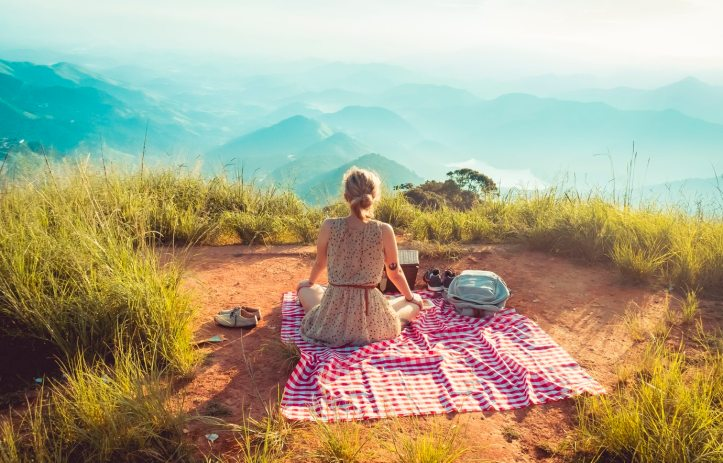 william-justen-de-vasconcellos-woman-picnic-unsplash
