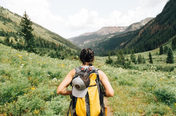 holly-mandarich-hiking-unsplash