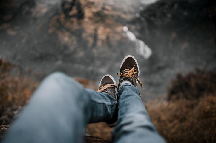 arvind-kumar-edge-cliff-pixabay