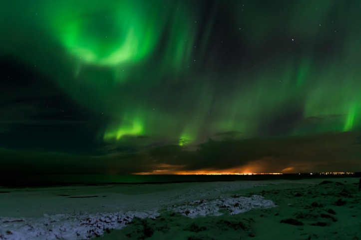 darrenquigley32-iceland-northern-lights-pixabay