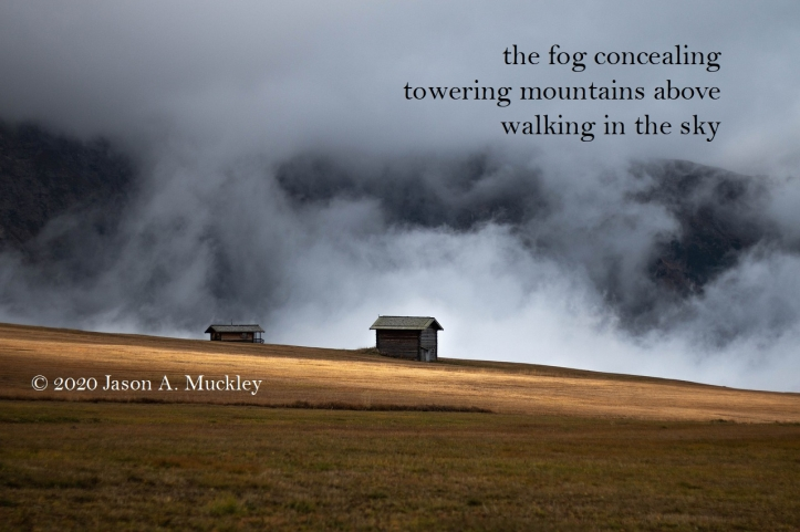concealed_davindiovich-mountains-fog-hut-pixabay