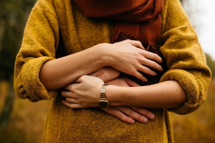 woman-man-embrace-pixabay