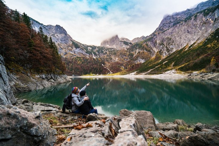 adventure-mountain-couple-pixabay