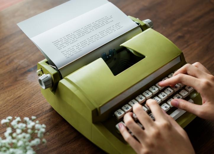 typewriter-pxhere